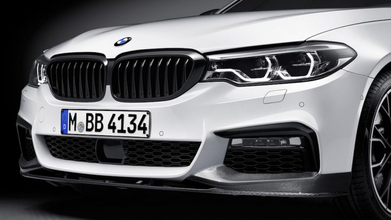 2017-BMW-5-Series-BMW-M-Performance-front-splitter